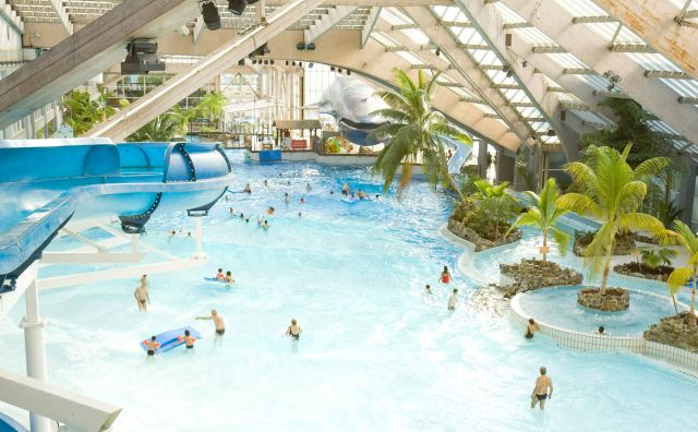 Un paradis tropical accessible en métro : l'Aquaboulevard