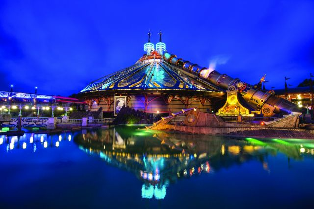 L'impressionant roller-coaster Space Mountain - Mission 2
