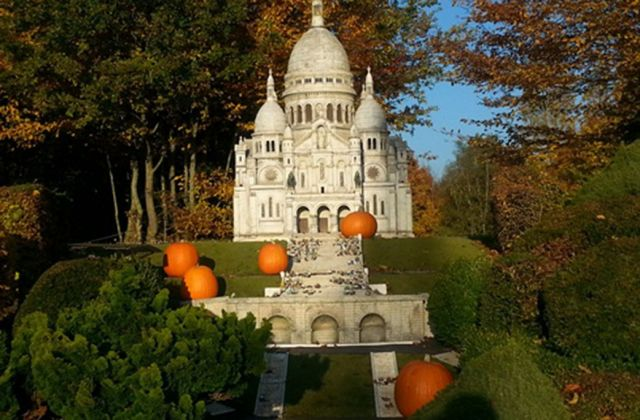Halloween Montmartre France Miniature