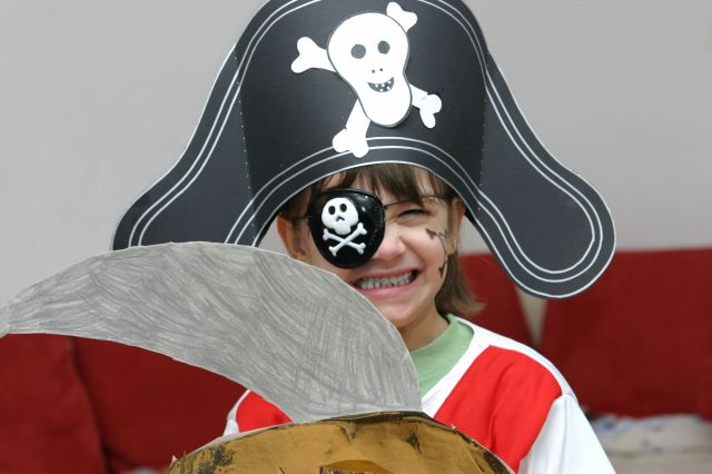 enfant sabre pirate